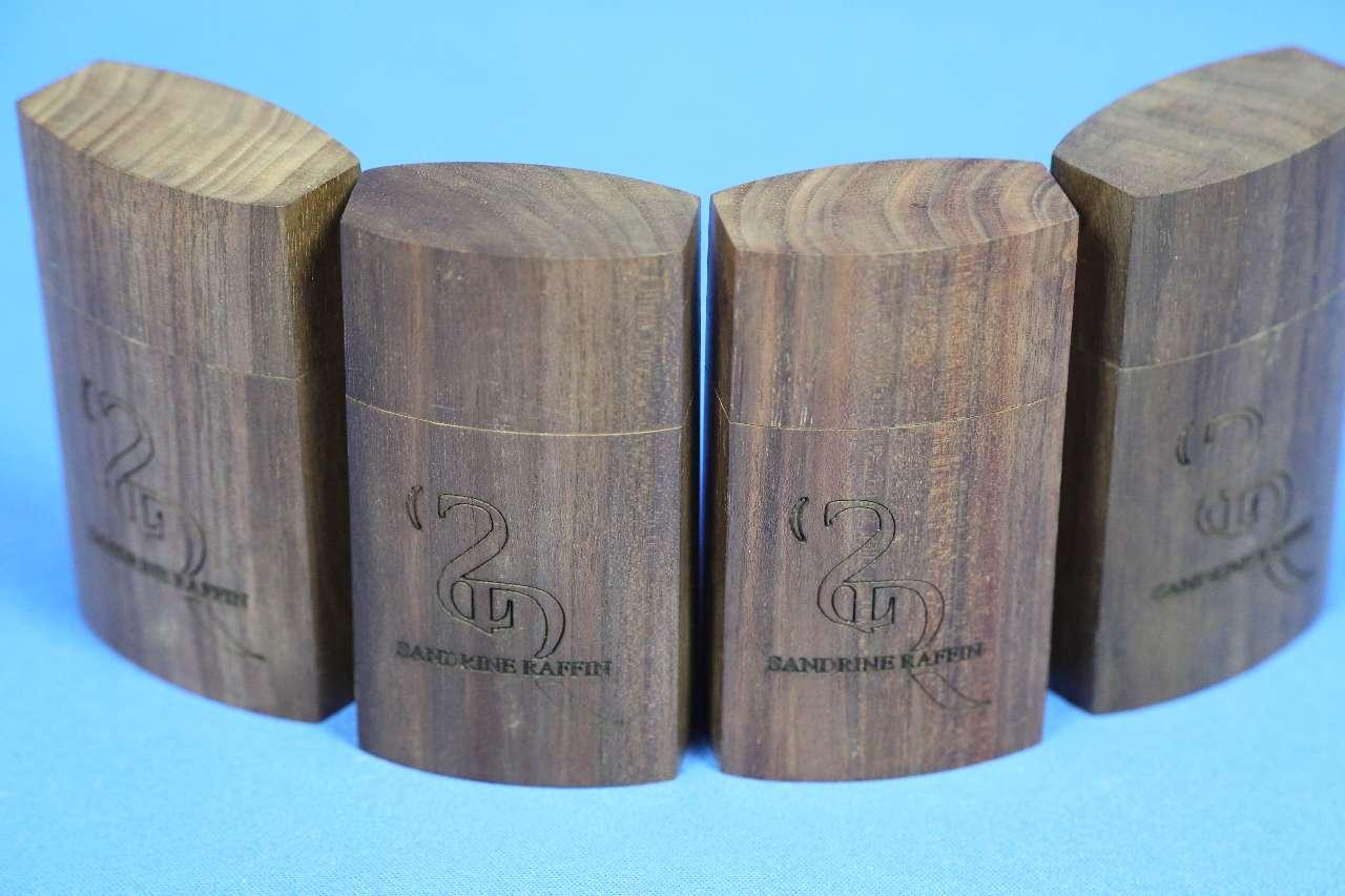画像1: S.ラファン松脂ウォルナット/バイオリン・ビオラ・チェロ S.Raffin Rosin Walnut Box